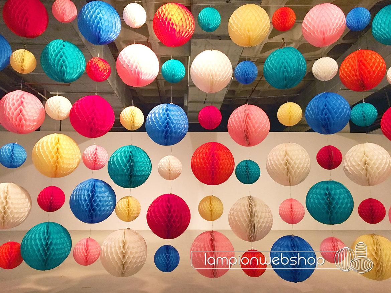 Wand-aus-Wabenbälle