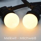 Schwarze Birnenlichterkette - 50 Meter - Inklusive LED Lampen warm weiß_